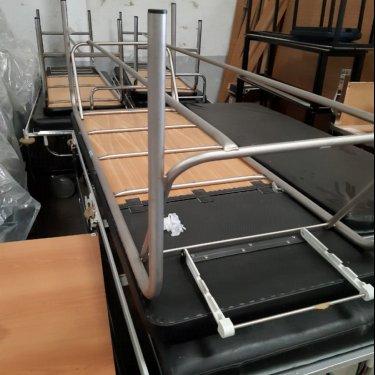 Donación de 17 camillas del Hospital Sierrallana