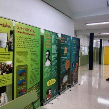 """""""Todas las mujeres libres de violencia"""" en el IES Las Llamas de Santander"""